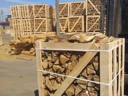 Gehacktes Brennholz in Kartons, Export nach Deutschland. Kammertrocknendes Brennholz. Lief