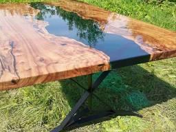 Классический обеденный стол