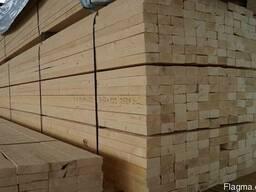 Schnittholz. Brett, Holz. Luftfeuchtigkeit 14-16%.